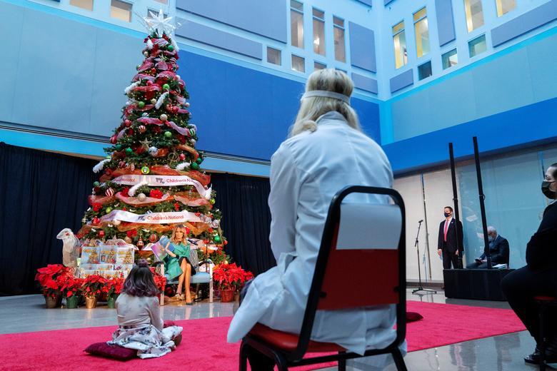 کریسمسدر بیمارستان کودکان در واشنگتن آمریکا