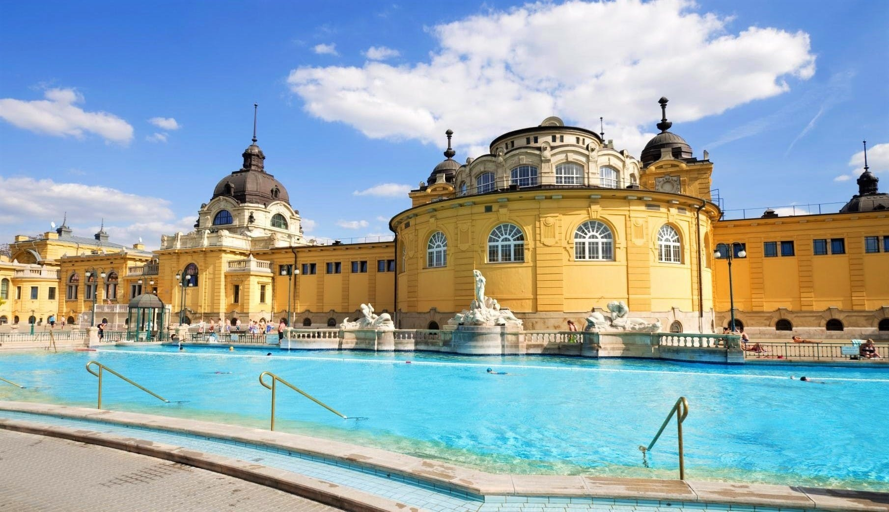 حمام Secechenyi، بوداپست، مجارستان