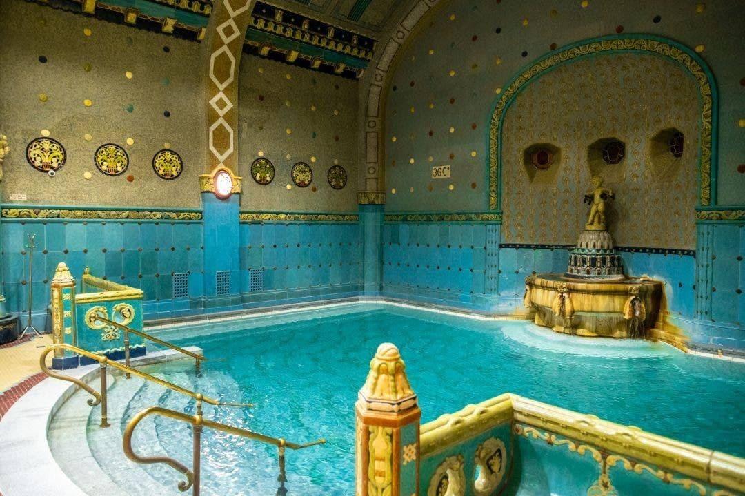 حمامهای Gellért، مجارستان
