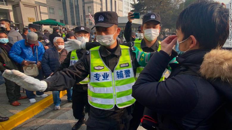 محکومیت روزنامهنگار چینی به 4 سال زندان به خاطر گزارش همهگیری کرونا در ووهان