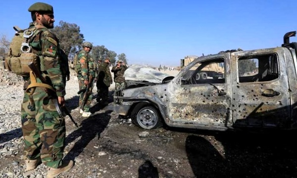 مرگ ۱۴ سرباز افغان در انفجار خودروی بمبگذاری شده