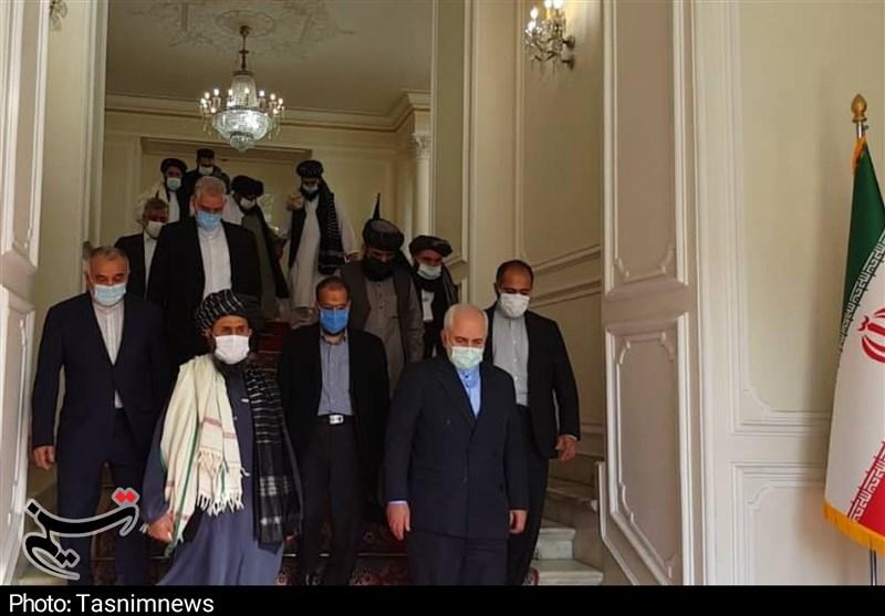 ظریف در دیدار با طالبان: از یک دولت فراگیر اسلامی با حضور همه طرفها حمایت میکنیم