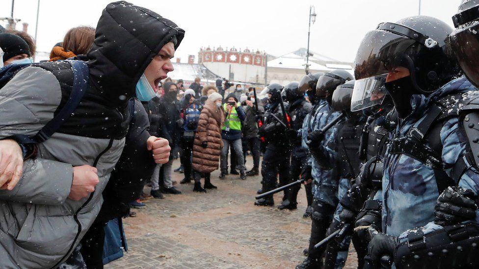 معترضان به بازداشت ناوالنی