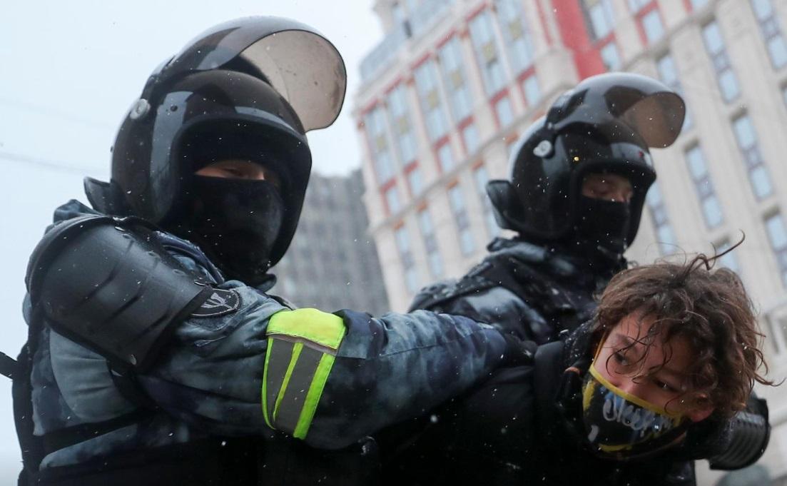بازداشت 4500 نفر در تظاهرات روسیه/ واکنش آمریکا، غرب و روسیه به اعتراضات (+عکس)