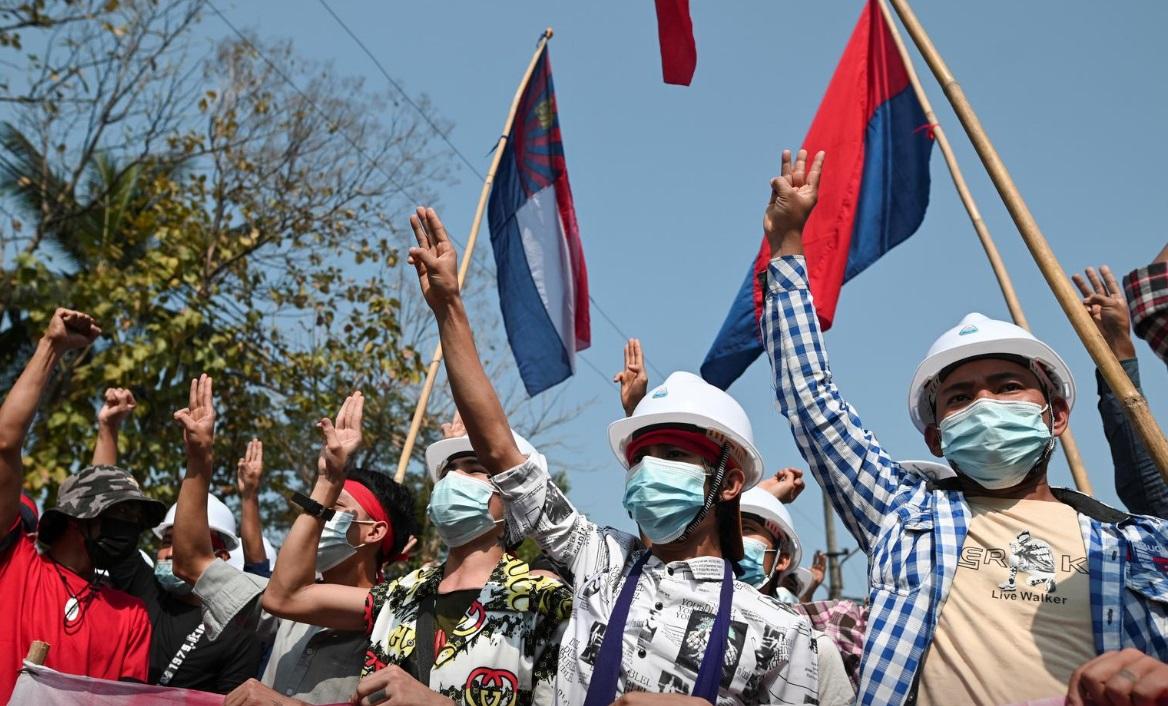 میانمار؛ بزرگترین تظاهرات خیابانی در 14 سال گذشته/ قطع فیسبوک، اینستاگرام و توییتر/ ادامه حصر رهبران