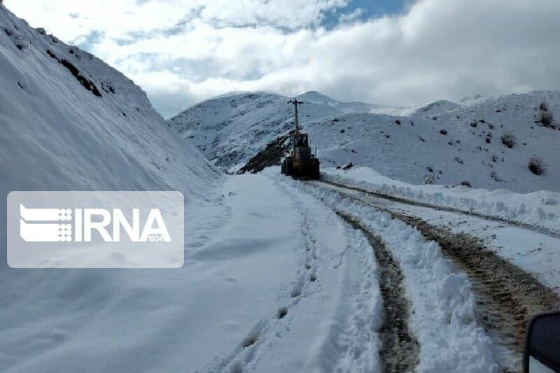 بارش برف یک متری در جاد های روستایی مهاباد