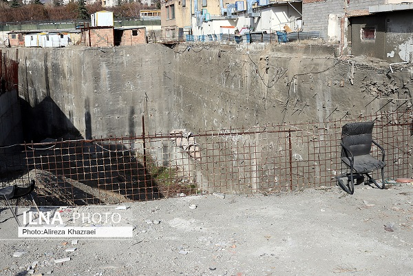 ۳۳ گود رهاشده فقط در یک منطقه تهران/ تهدید جان مردم با ۱۸ گود پرخطر/ گودی با عمق ۲۵ متر در حاشیه دریاچه چیتگر