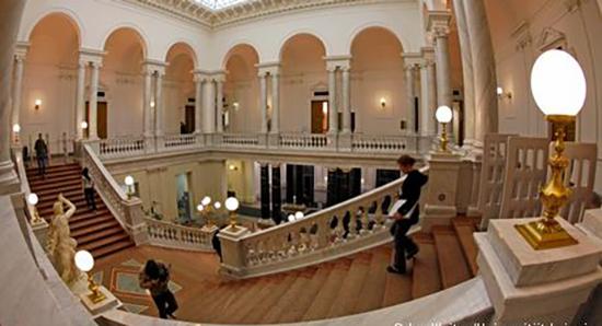 کتابخانه دانشگاه فنی کوتبوس