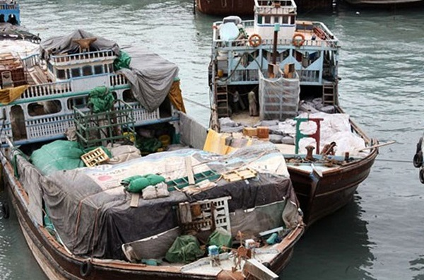 مردانِ دریایی که فلافل فروش شدند/ سفرههای همسایگان دریان میان مصوبهها غرق شد