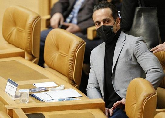 ناکامی علی کریمی در انتخابات فدراسیون فوتبال: امیدوارم به فوتبال خیانت نشده باشد