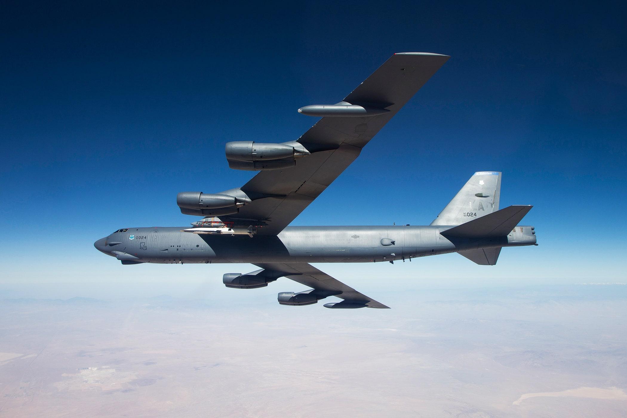 بمب افکن B-52