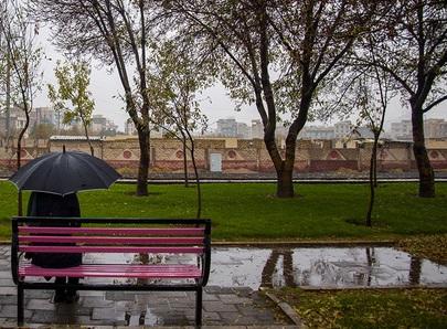 هواشناسی: ورود سامانه بارشی به کشور از شمال غرب/ کاهش محسوس دما/ وزش باد شدید در تهران