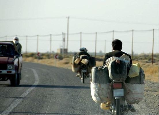سیستان و بلوچستان: ۸۰ درصد مردم جزو ۲ دهک پایین جامعه هستند/ سوختبَرها، قاچاقچی نیستند