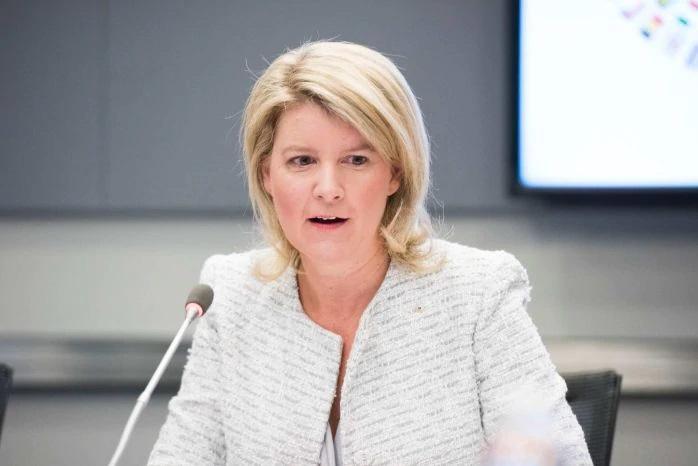 اظهارات نخست وزیر استرالیا در باره شلیک نکردن به زنان معترض/دفاع وزیر زنان از نخست وزیر و بهت نماینده سازمان ملل