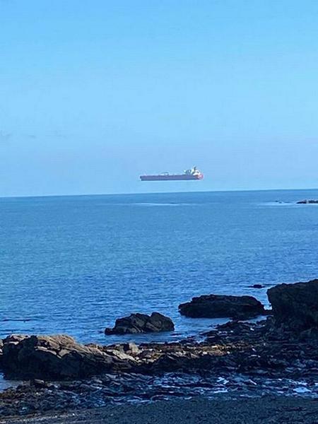 راز حرکت یک کشتی معلق در هوا