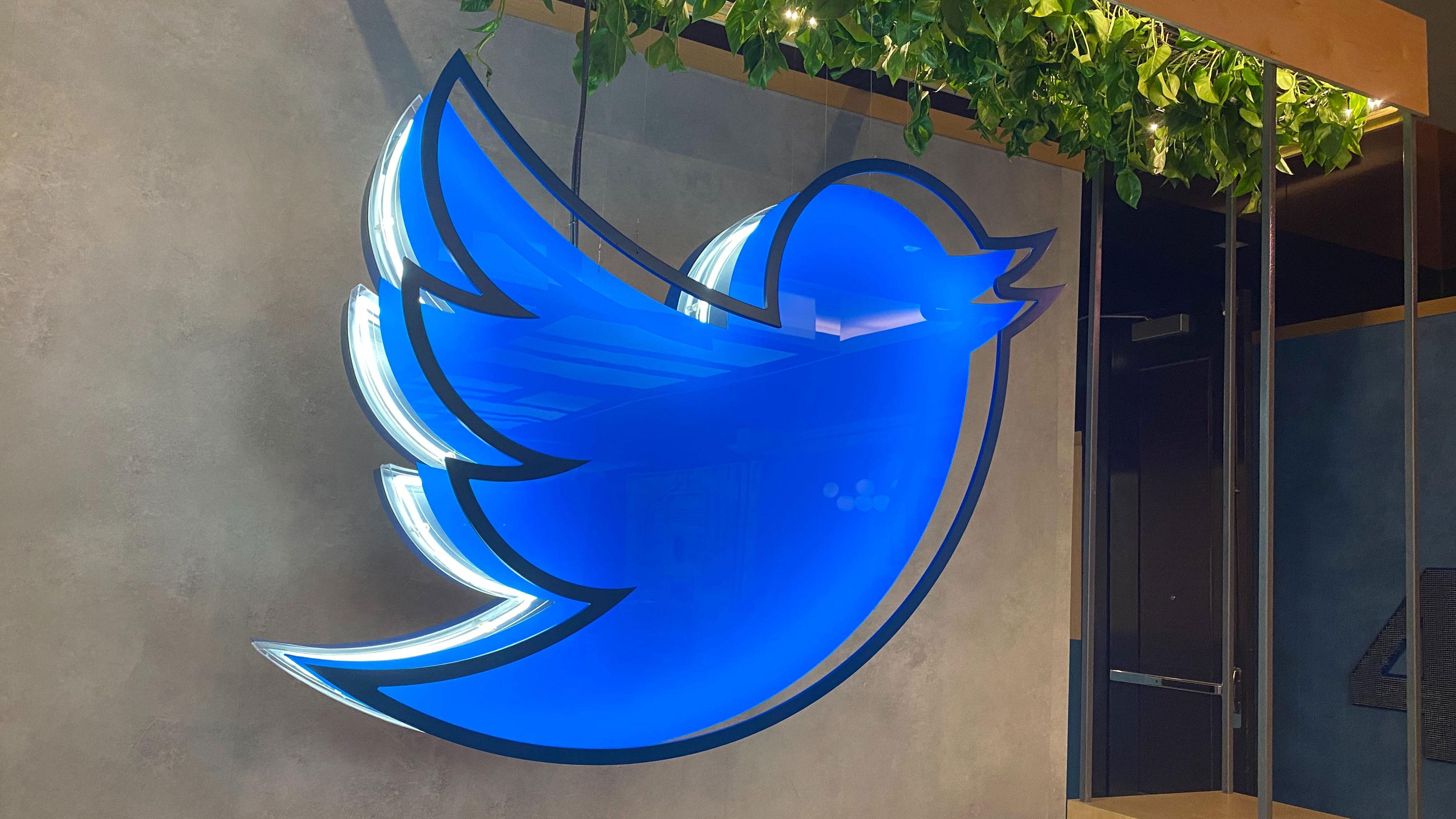 حذف خودکار توییتها و اکانتهای متخلف در توییتر