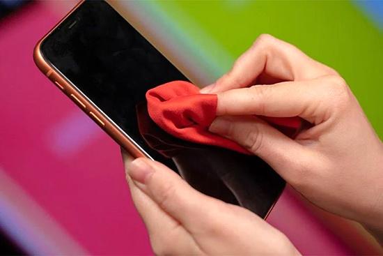 ضدعفونیکنندههایی که به موبایلتان آسیب میزند
