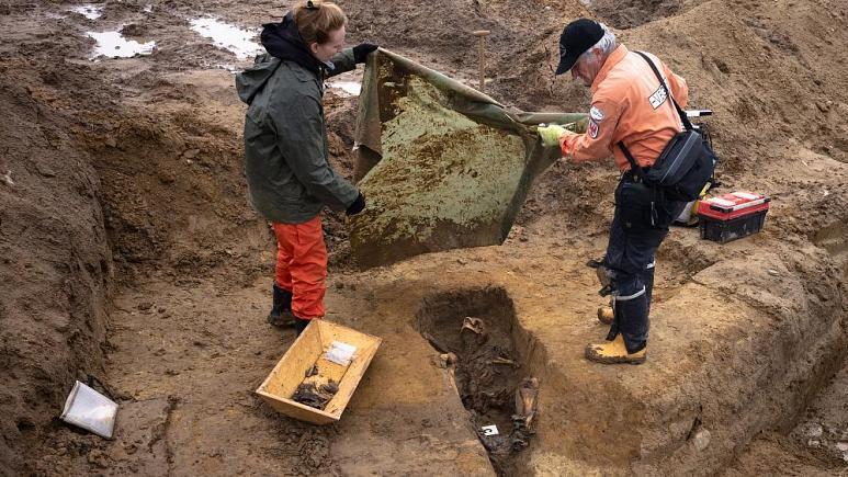 حفاری برای یافتن سربازان مفقود جنگ جهانی دوم
