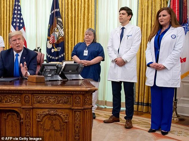 جروبحث ترامپ با پرستاران آمریکایی: کمبود ماسک نداریم؛ اینها خبرهای جعلی است