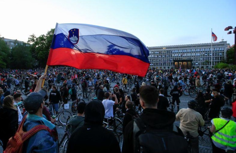 تظاهرات اسلوونی ماسک