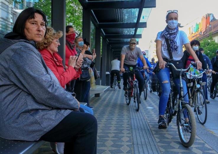 دوچرخه سواران تظاهرات اسلوونی