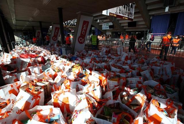 بسته های غذایی برای کمک به نیازمندان سوئیس