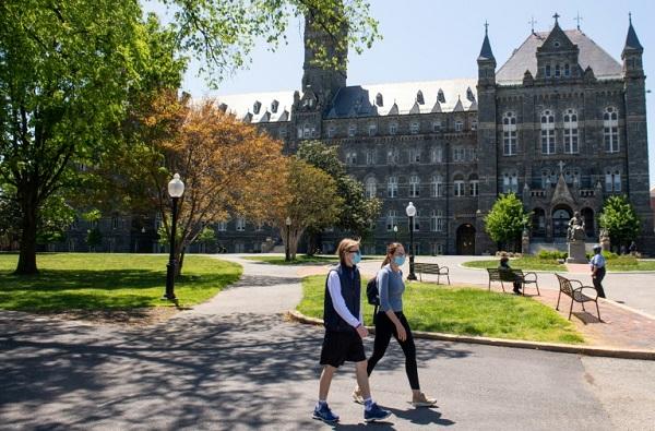 نارضایتی دانشجویان از آموزش مجازی در دانشگاه آمریکا کرونا
