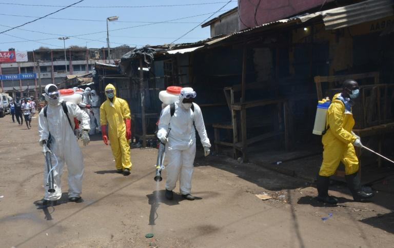 گینه: حمله معترضان و بازگشایی مساجد / 7 کشته در اعتراض به قرنطینه کرونایی