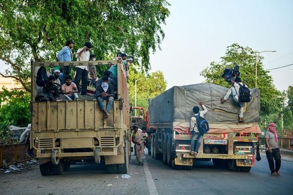 24 کشته در تصادف خودروی حامل کارگران در هند