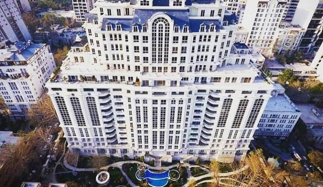 زندگی ایده آل در طبقه بالای ساختمان های بسیار بلند تهران چگونه است؟