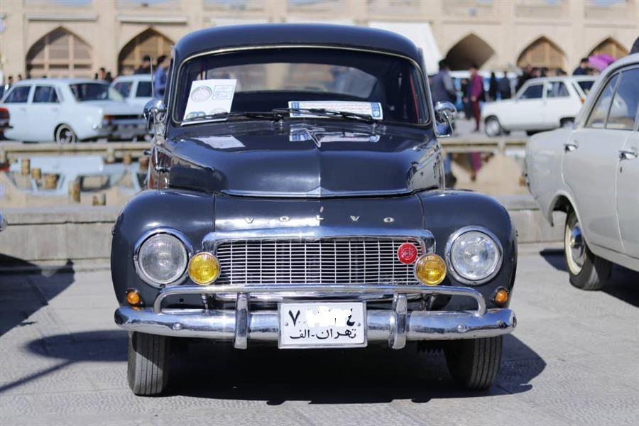 خودروی کلاسیک 60 ساله با کار فقط هزار کیلومتر در اصفهان (+عکس)