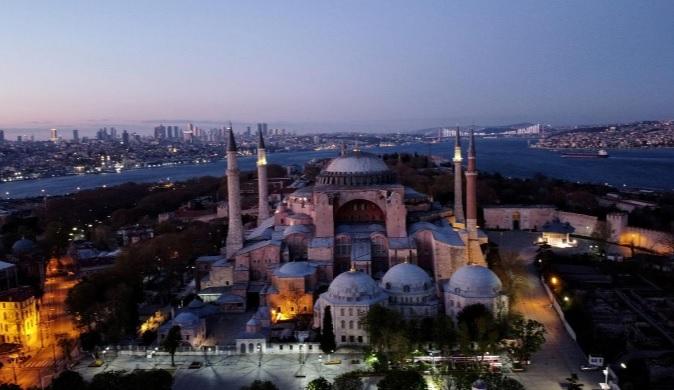 مساجد تعطیل در ماه رمضان (+عکس)/  تعطیلی مسجدالحرام پس از 1400 سال