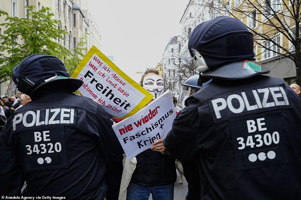 تظاهرات آلمان علیه قرنطینه