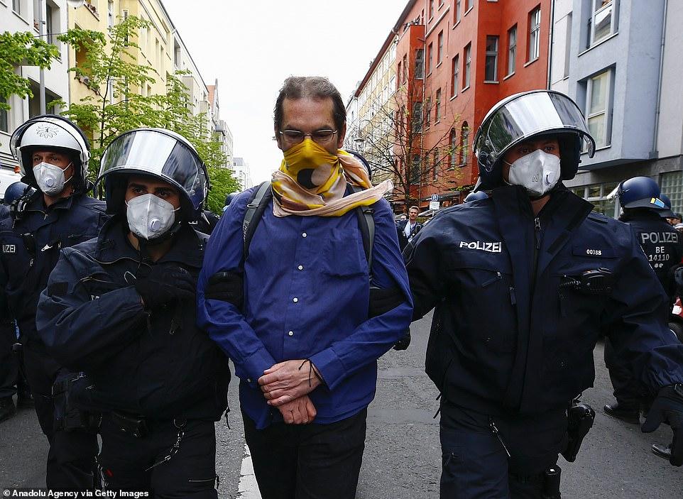 بازداشت یک معترض به قرنطینه