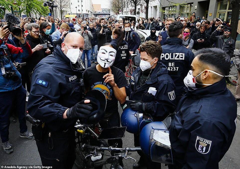 درگیری پلیس و معترضان در آلمان