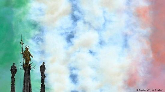 رنگهای سبز، سفید و سرخ در آسمان میلان (+عکس)