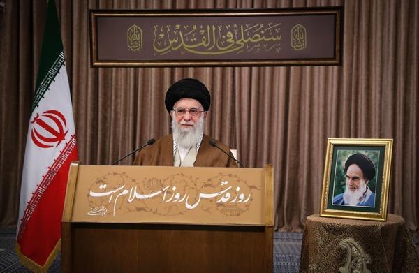 مقام معظم رهبری: با دشمن وحشی جز با اقتدار و از موضع قدرت نمیتوان سخن گفت/ آنکه باید برود رژیم صهیونیستی است