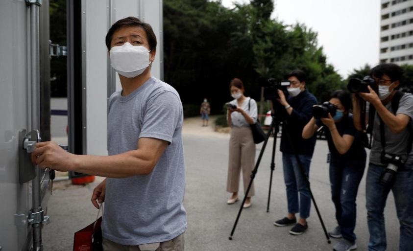 رهبر یک گروه از پناهنده و فراریان کره شمالی در خاک کره جنوبی