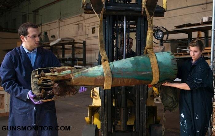 دلفین های نیروی دریایی آمریکا و کشف یک اژدر کمیاب! (+تصاویر)