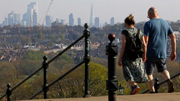 افزایش پیاده روی در بریتانیا در دوران کرونا