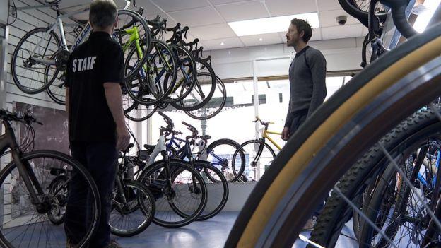 یک دوچرخه فروشی در بریتانیا