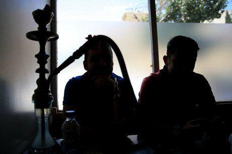 خطر موج جدید کرونا با بازگشایی قهوهخانهها