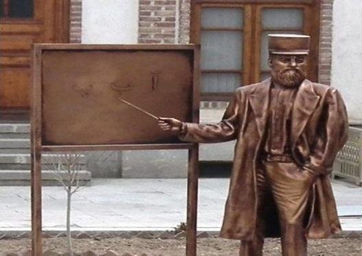 یادی از میرزا حسن رشدیه؛ پایه گذار مدارس نوین در ایران