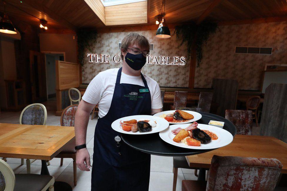 بازگشایی رستوران ها در انگلستان