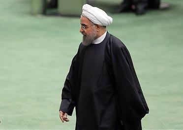 سوال از روحانی با 130 امضا تقدیم هیئترئیسه مجلس شد + محورهای سوال