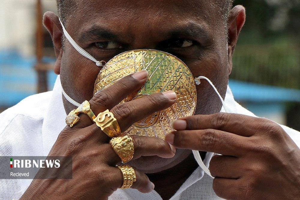 ماسکی از طلا روی صورت تاجر هندی(عکس)