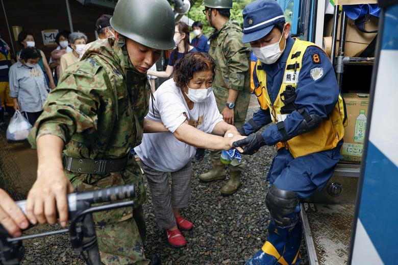 امدادرسانی در سیل ژاپن