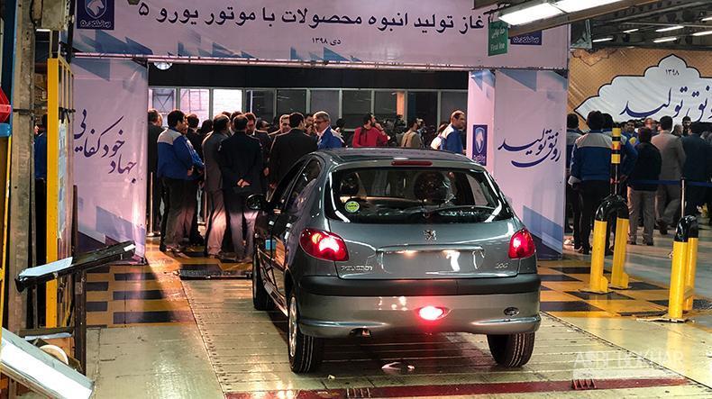 معاون ایران خودرو: خودروهای بنزین سوز با استاندارد یورو۵ تولید و عرضه می شود