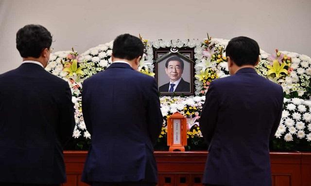 مراسم تشییع جنازه شهردار سئول