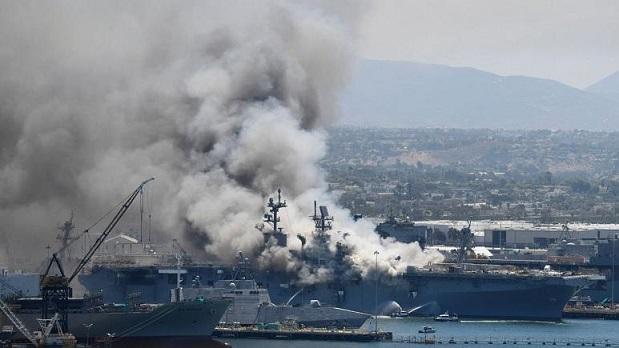 آتشسوزی و انفجار در عرشه ناو جنگی آمریکا؛ دستکم ۲۱ نفر زخمی شدند (+ فیلم)